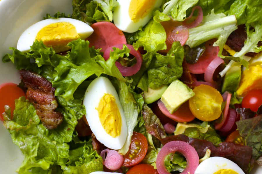 Add eggs to salads to boost vitamin E absorption | InstaMag