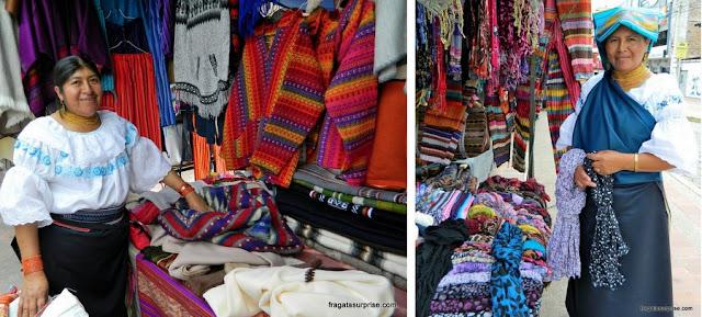 Vendedoras de artesanato no Mercado de Otavalo, Equador