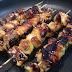 Brochettes de poulet sauce soja, miel et sésame