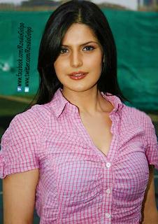 Zarine Khan Super Hot sexy wet lips kiss Scene