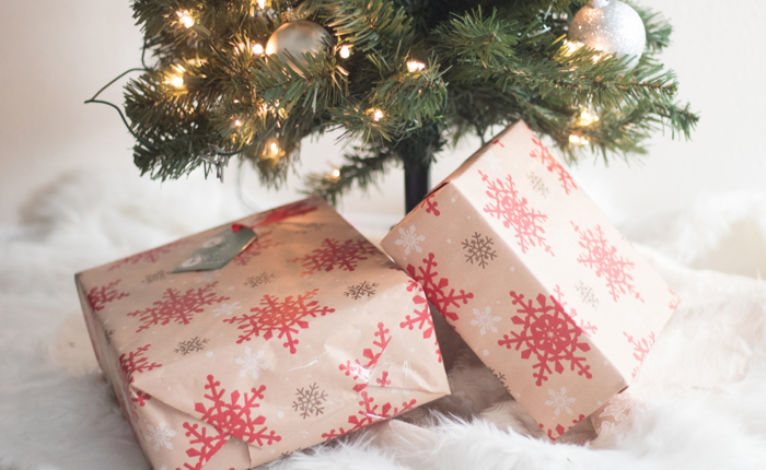 How To Wrap Christmas Presents.How To Wrap Christmas Presents Like A Pro The Monogrammed Life