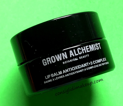Labbra super curate con il Lip Balm Antioxidant + 3 Complex di Grown Alchemist