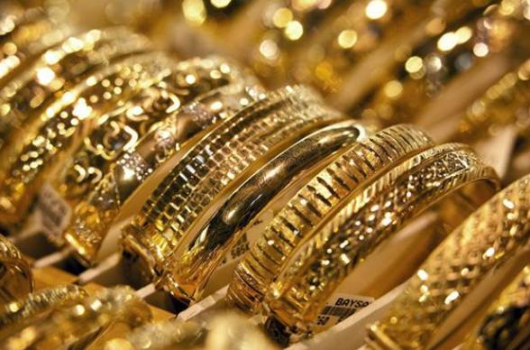 3 Model Gelang Emas Yang Lagi Trend Saat Ini