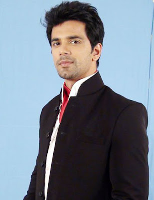 tv-actor-anuj-sachdeva-lends-helping-hand-to-elephant-care