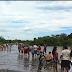 Rio corrente transborda e água passa por cima da ponte na PI 331 que liga Boa Hora a Barras