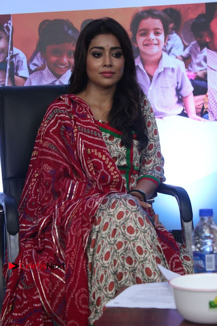 Shriya Saran and Meenakshi Dixit Pos at Quaker Feed A Child Campaign  0004.jpg