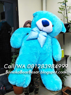 gambar boneka teddy bear besar warna biru
