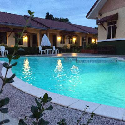 homestay kolam renang