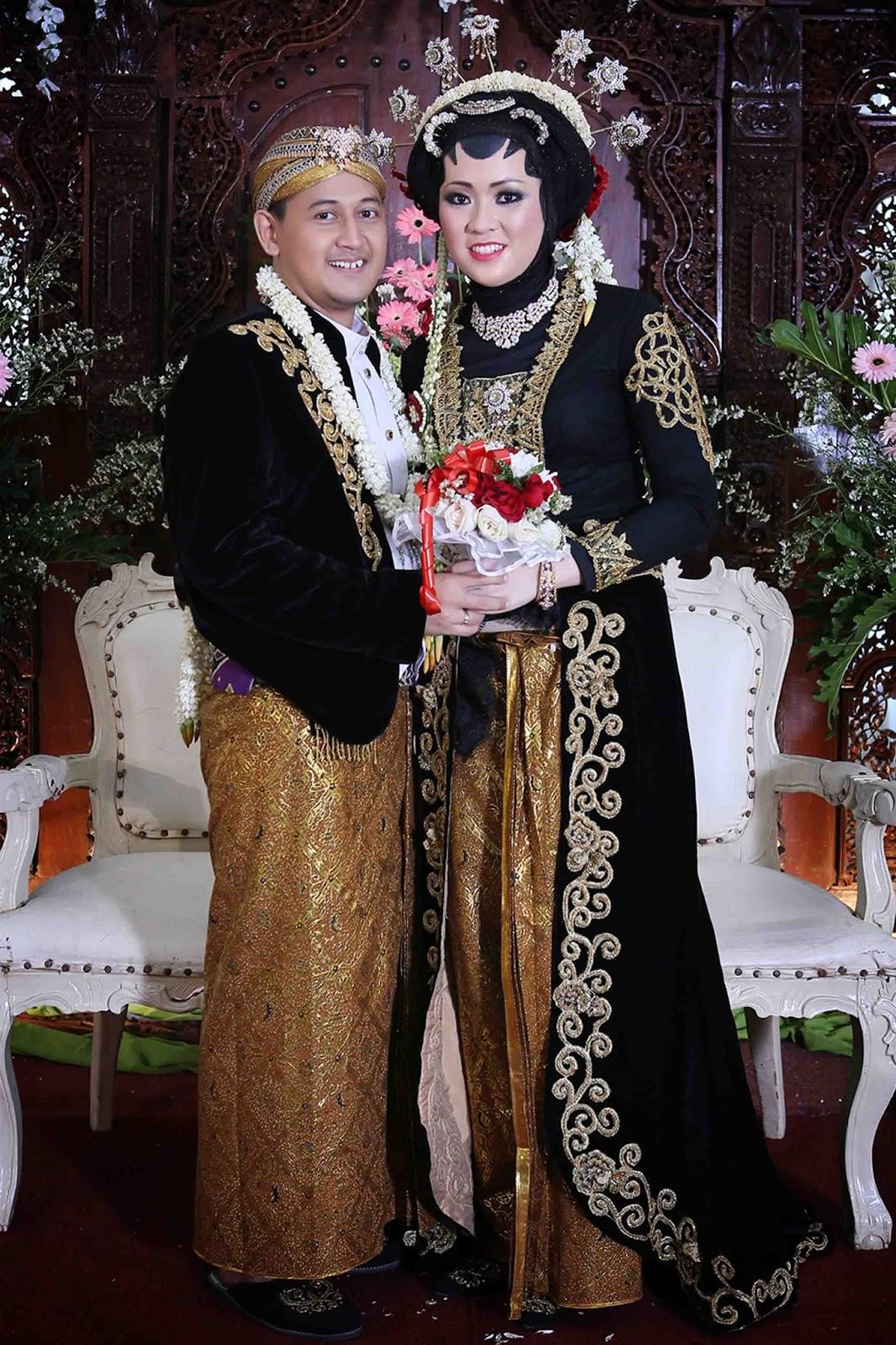 PENGANTIN JAWA MUSLIM BELUDRU HITAM  PRIMERA WEDDING