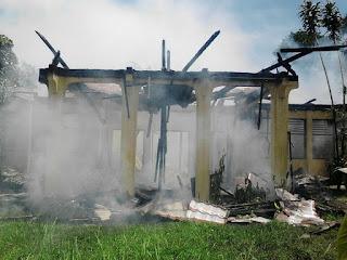 Gedung Ex-Pengadilan Negeri Amurang Dilalap Api