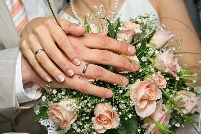 وهناك من يتزوج من أجل كفالة يتيمة فى عصمتة وذمتة: