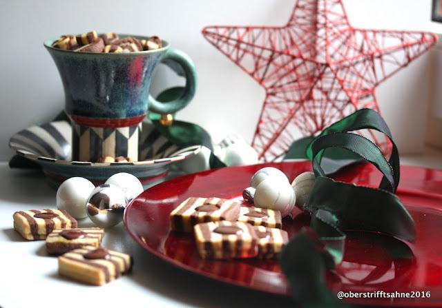 Schwarz-Weiß Plätzchen mit Schokoladenkern