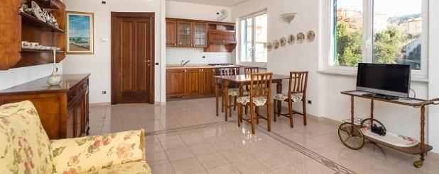 Soggiorno con cucina a vista ~ Isorella Beigua Geopark <br>+ ...