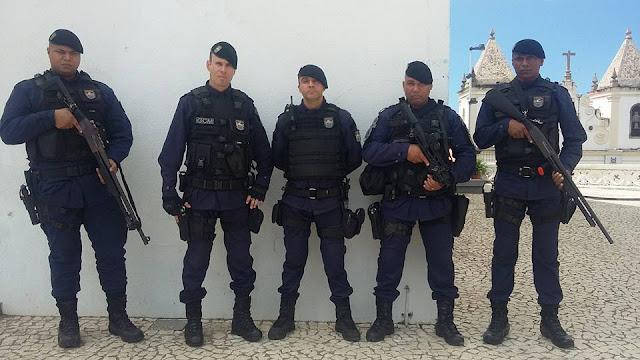Reflexão o combate diário de um policial