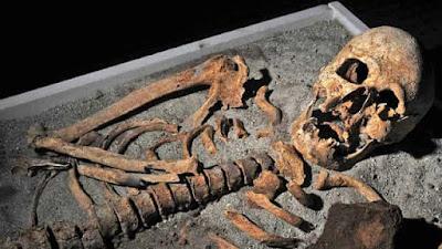 Τι Συνέβη στο Γιγαντιαίο Σκελετό της Κεφαλλονιάς 4.000 ετών που Βρέθηκε το 1937;