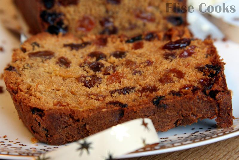 cake de no l aux pices et raisins secs. Black Bedroom Furniture Sets. Home Design Ideas