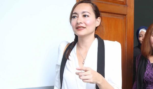Banyak yang PDKT, Dewi Rezer Lebih Selektif Pilih Pasangan