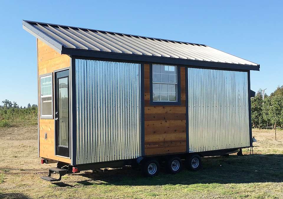 Tiny Home Designs: TINY HOUSE TOWN: Modern Rustic Tiny Home In Bellingham