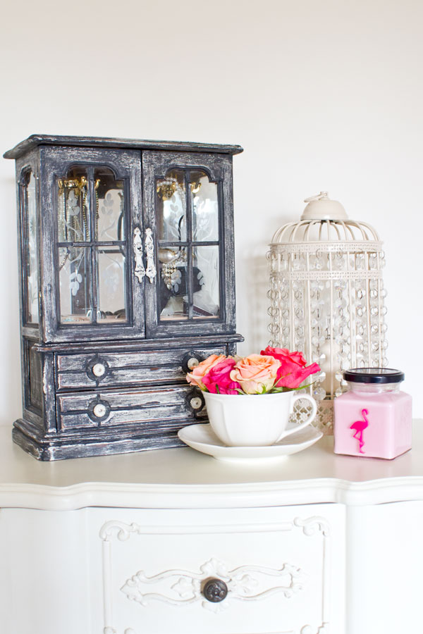 Lily Made Over This Cool Looking Jewelry Box And Made It So Beautiful With Chalk  Paint. See Her Instructions Here.