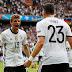 Alemanha perde diversas chances, mas Gomez garante classificação e 1º lugar do grupo