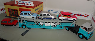 tomica limited vintage honda express hino transporter