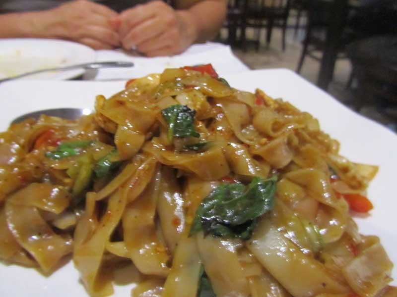 Cakes And Ale Sues Kitchen Exquisite ThaiLao Cuisine In El Sobrante - Cuisine laotienne