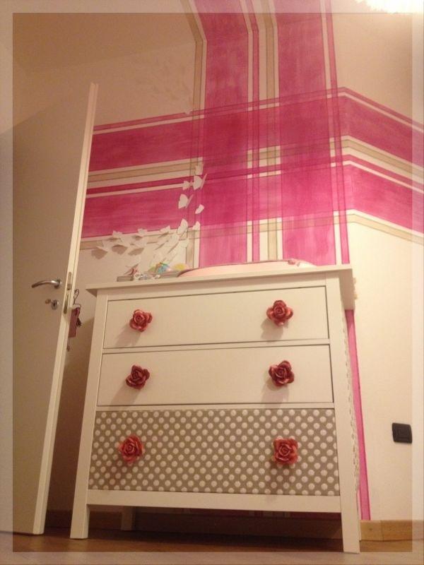 the shocking radiance pimp my ikea cassettiera ikea diventa fasciatoio glamour. Black Bedroom Furniture Sets. Home Design Ideas