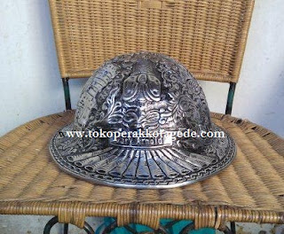 alumunium hat engraving,copper hard hat, brass hard hat, safety helmet,helm ukir,helm pertambangan,helm safety pertambangan perak