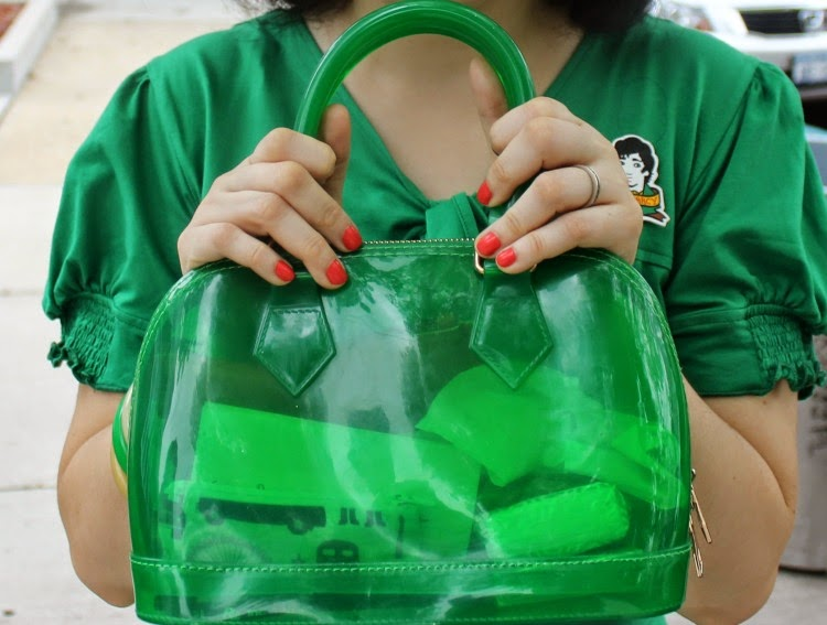 A Vintage Nerd, Vintage Blog, Retro Fashion Blog, Retro Lifestyle Blog, eShakti Green Dress, Jelly Handbag