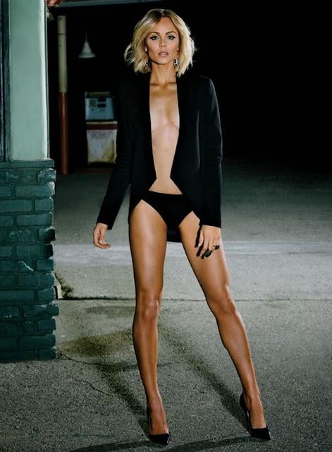 Laura Vandervoort Hot Legs