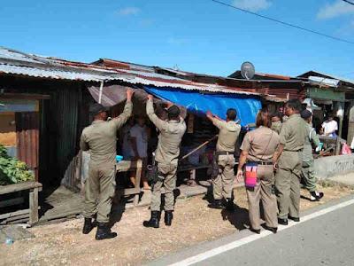 Corneles Belay Pimpin Penertiban Pasar dan ASN di Kepulauan Tanimbar