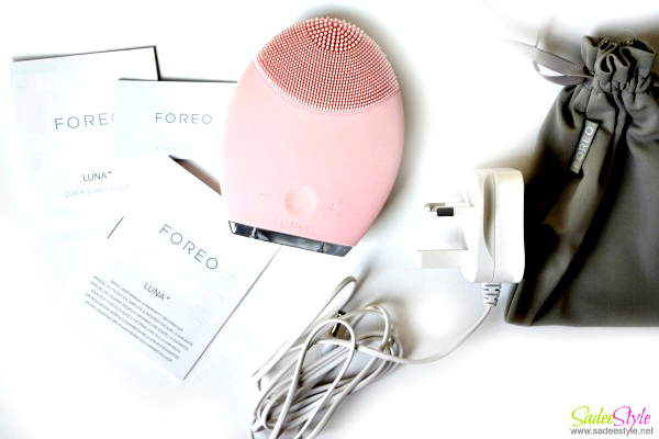 Luna Facial Cleansing Device by Foreo