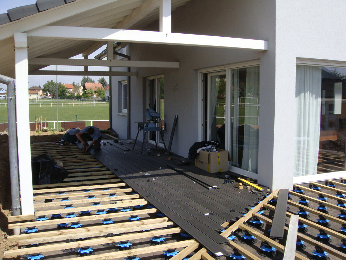 comment construire terrasse composite la r ponse est sur. Black Bedroom Furniture Sets. Home Design Ideas
