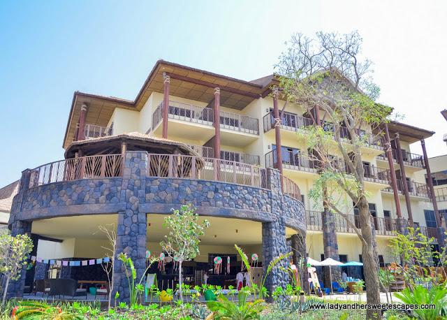 Lapita Hotel grounds