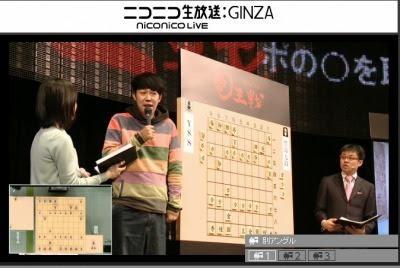 ゲストも現れました。吉本新喜劇などで活躍している    小籔千豊さんです。