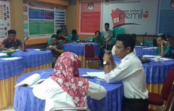 Final Cek, Ketua KPU Pimpin Rapat Pertemuan Tehnis, Gerakan Coklit Serempak 2018 Besok