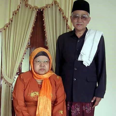 "KH Abdul Aziz Mansur: ""Santri kudu Obah Senajan Dodol Pentol, Ojo Sampe Ngedol Agomone..!"""