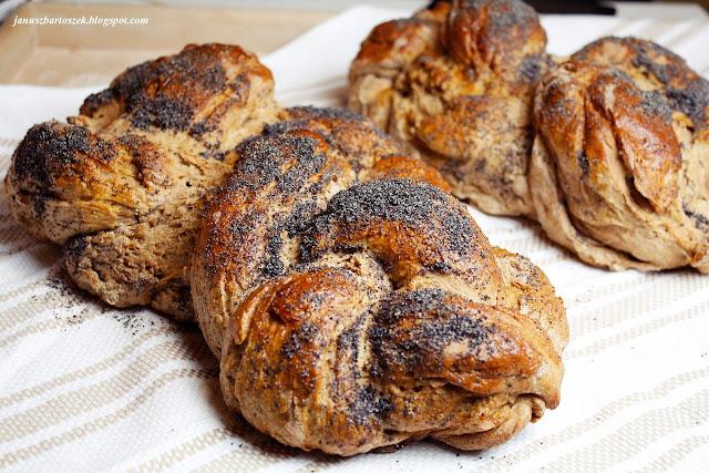chałka z mąki pszennej pełnoziarnistej