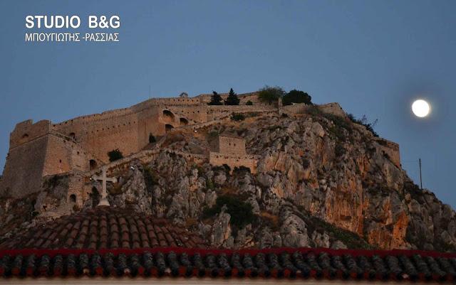 22 Μαΐου 1824. Ο Κολοκοτρώνης παραδίδει το κάστρο του Ναυπλίου στους Ἀνδρέηδες