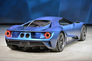 Ford GT 2017 model gives you the spirit of the legend GT40