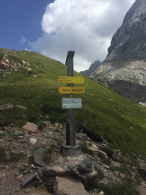 Sign near the Wolayerseehütte showing start of Geotrail.