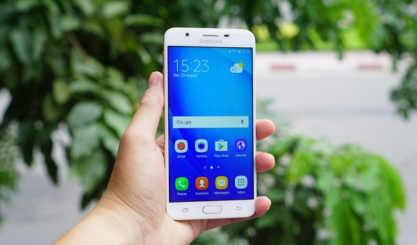 Harga Samsung Galaxy J7 Prime baru