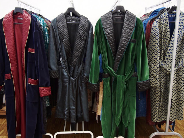 Men's luxury silk dressing gowns velvet smoking jackets robes