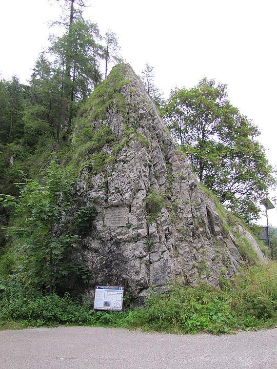 Ostatnia skała przy końcu Strateńskiego Kanionu.