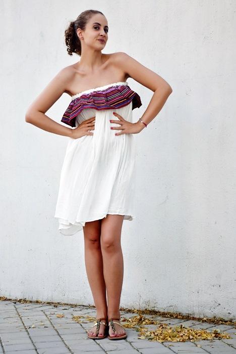 Outfit-Vestido-Blanco-volante-rayas-7