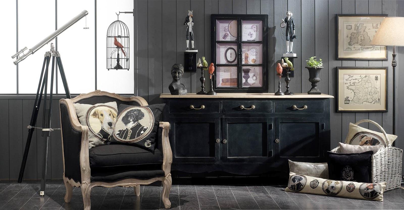 Boiserie c legno nero invecchiato per l 39 arredamento for Maison du monde grasse