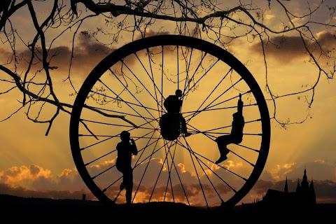 Roda-roda, berputarlah