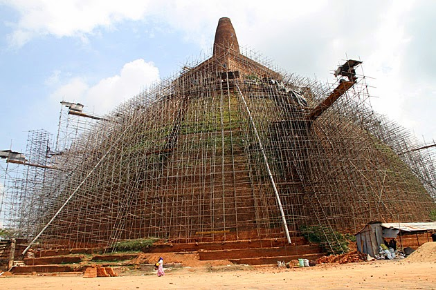 JETAVANARAMAYA DAGOBA, ANURADHAPURA. 10 Places Not to Miss in Srilanka