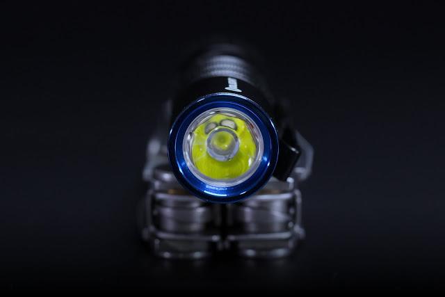 Optyka w latarce Olight M1T Raider