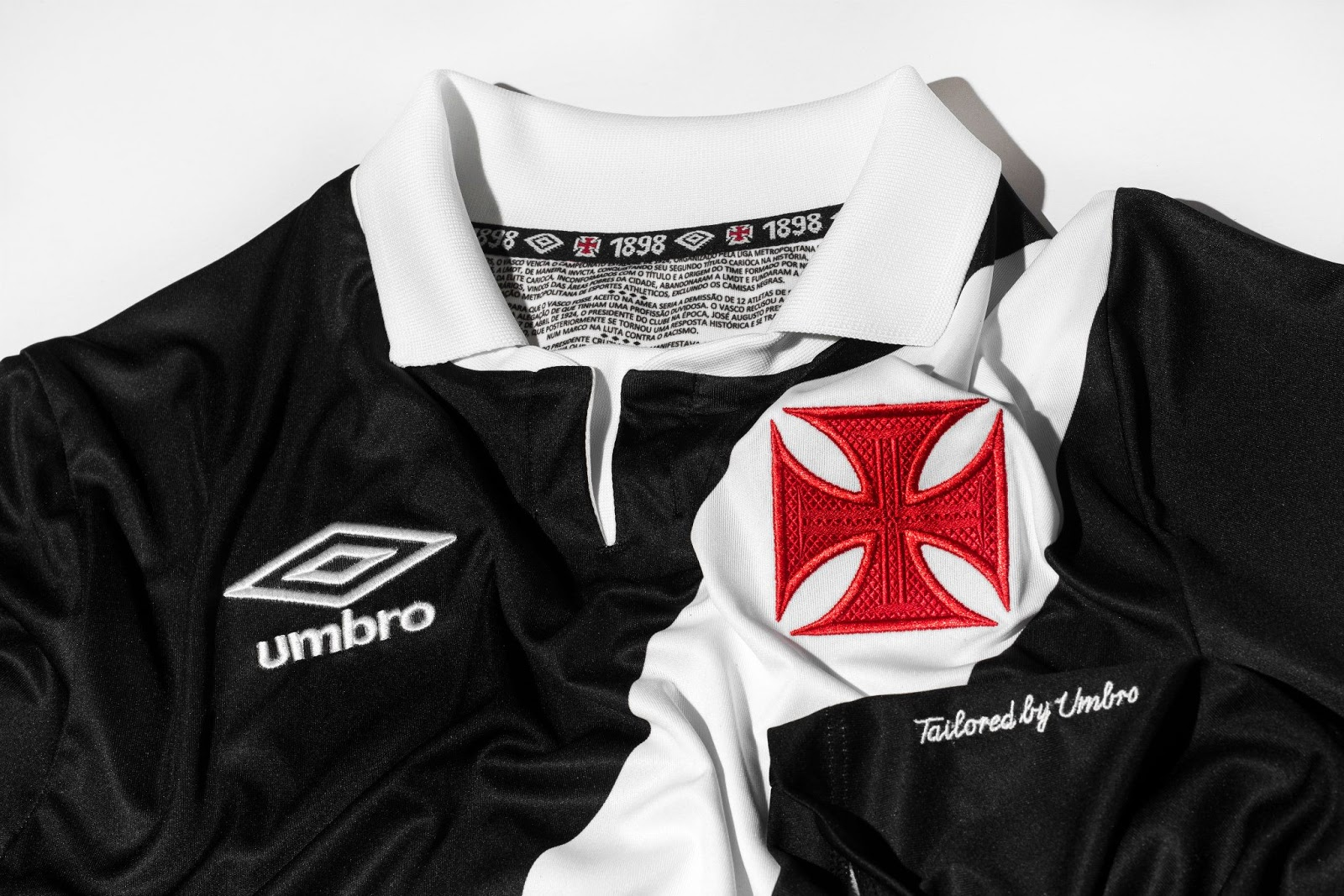 bc489fb2381b4 Black shorts and black socks complete the new all-black Vasco da Gama 14-15  Home Shirt.